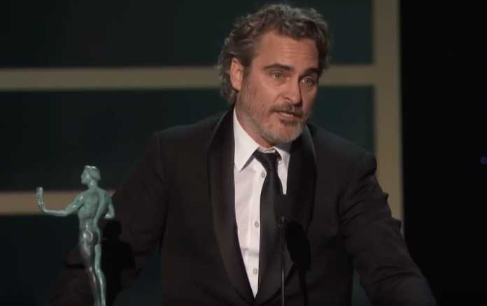 Joaquin Phoenix leaves SAG Awards to visit slaughterhouse