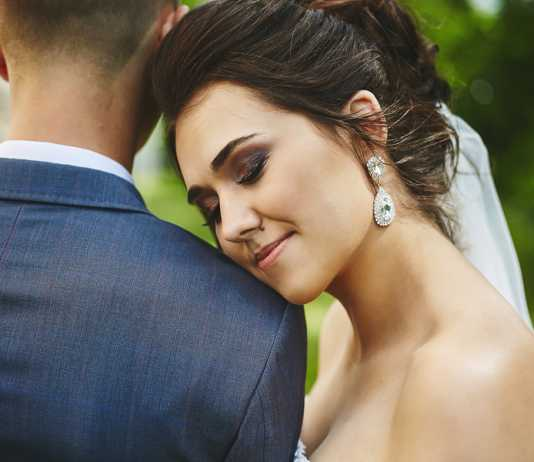 how not to ruin your relationship when planning a wedding
