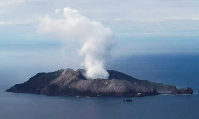 White Island volcano survivors awakes from coma to news of husband and daughter's deaths