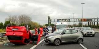 Why it is important to contact car accident lawyers early