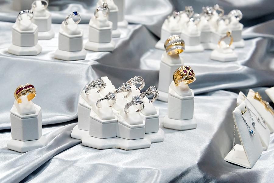 Amazing jewelry display