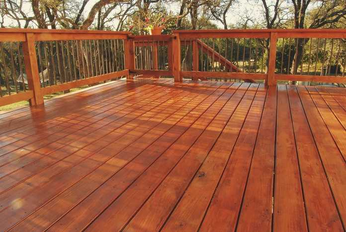How to create the perfect outdoor deck for entertaining