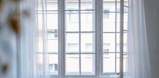 Window decoration ideas for upcoming Xmas season
