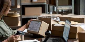 Is eCommerce killing offline retailers