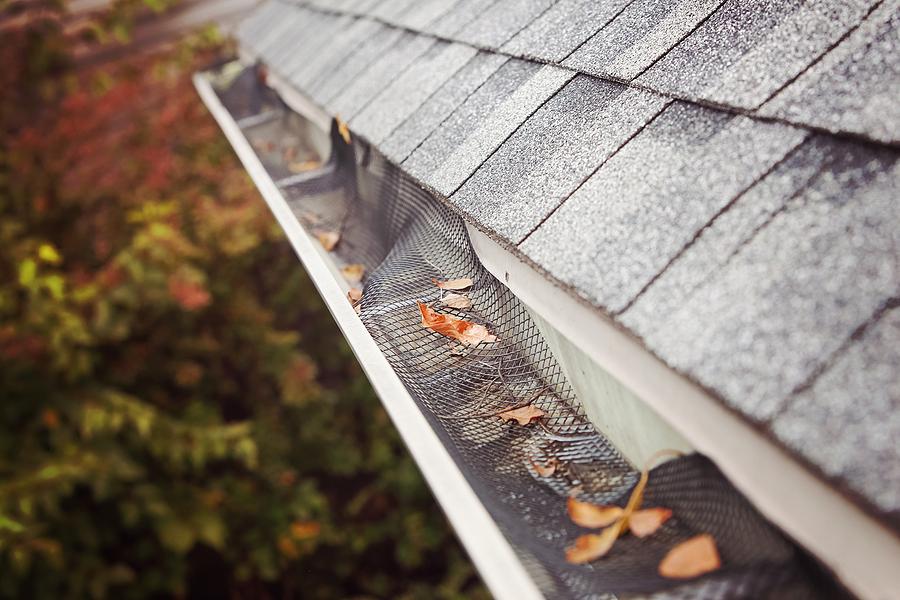 Repairing a damaged gutter