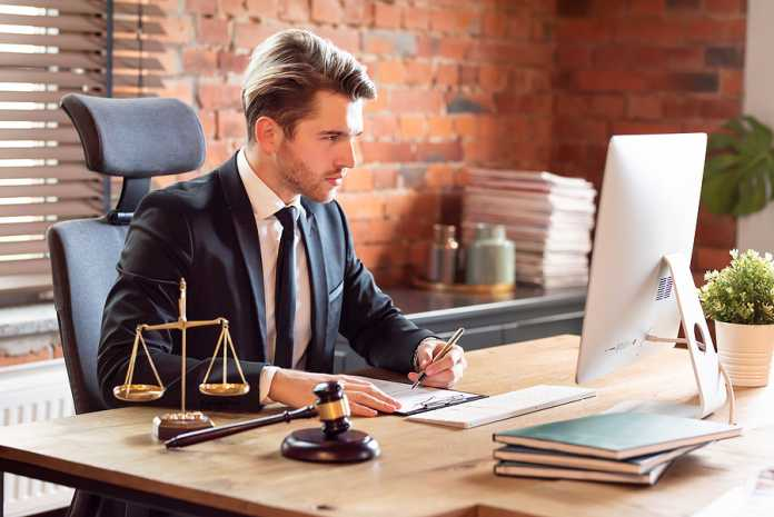 becoming a criminal lawyer