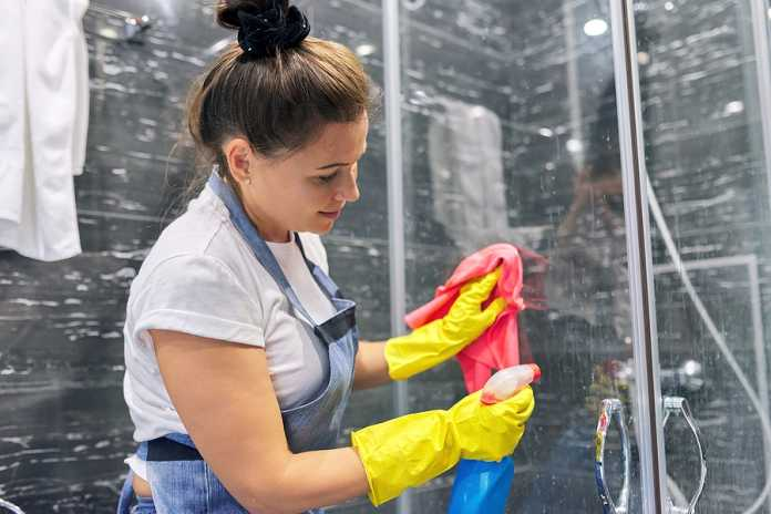 What are the advantages of vacate cleaning
