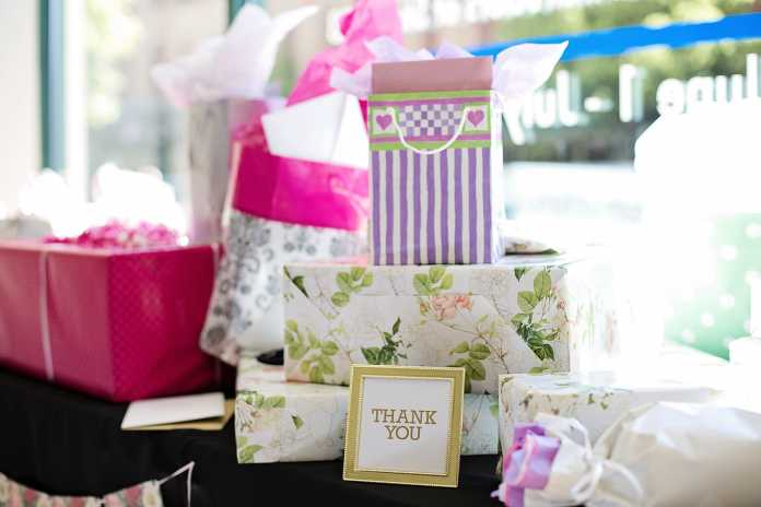 creative wedding favour ideas