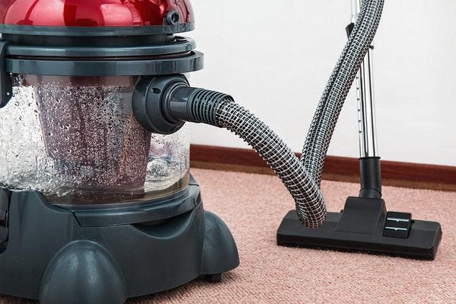 A vacuum diy carpet cleaning.
