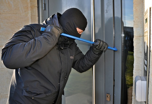 A common home emergency how to deal with a burglar breaking into your house.