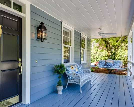 What are the different benefits of wooden decking that you get for your home?