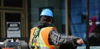 3 signs that it's time to get construction operations management software for your company