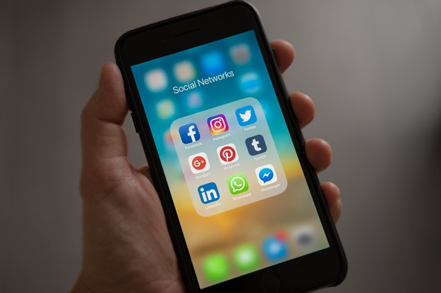 Audit social media on phone