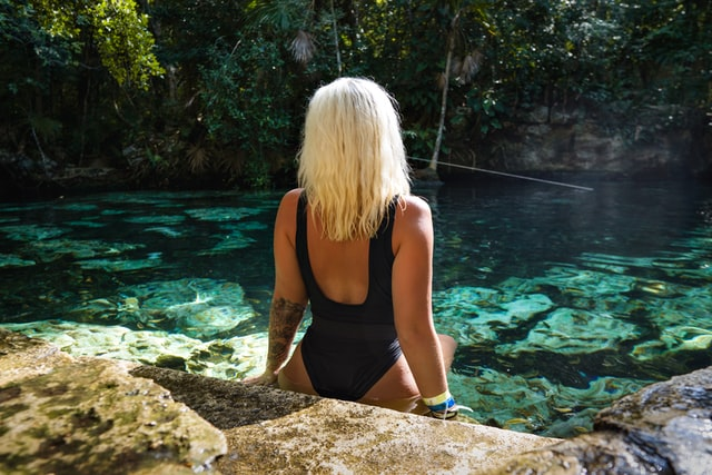 Choosing the right designer bathing suits for summer