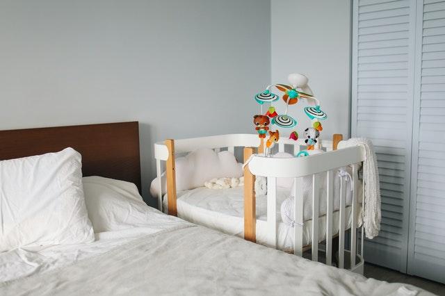 4 steps to create a peaceful baby nursery