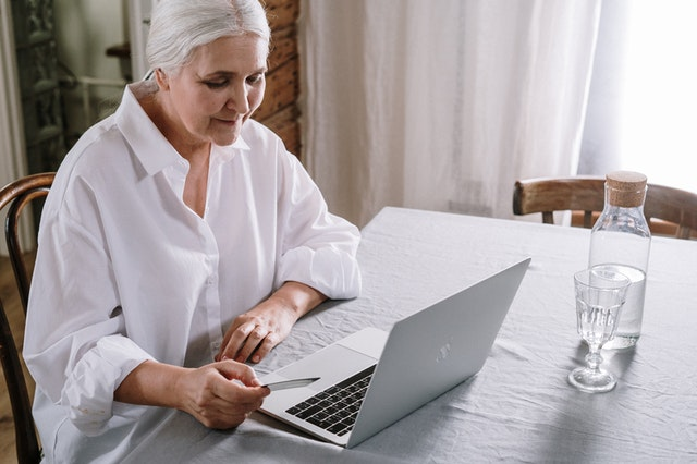 How to make the online furniture shop experience easier to manage